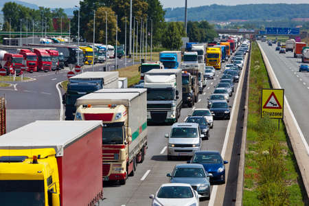 emergency lane: non-functioning emergency lane in a traffic jam on a highway