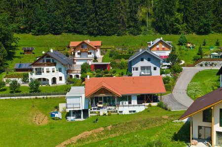 single familiy: varias casas en una aldea de la planificaci�n y el hogar Foto de archivo