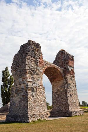immobilien: heidentor the ancient roman settlement of carnuntum in austria Stock Photo