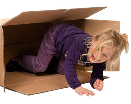 vivre: child in moving box  if moving to box