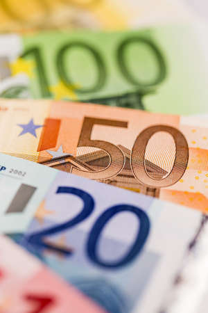banconote euro: Quanti euro icona bollette diverse per ricchezza e investimenti