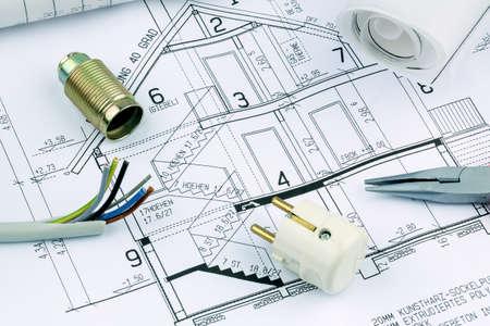 single familiy: proyecto a un arquitecto s para la construcci�n de una nueva casa residencial foto simb�lica de la financiaci�n y la planificaci�n de un nuevo hogar