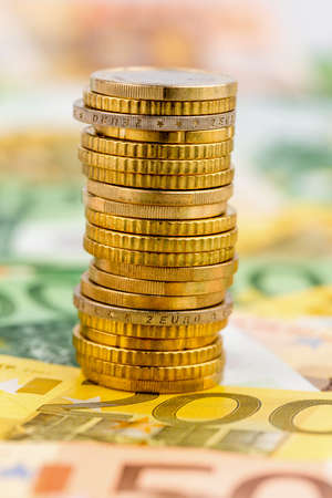 single stack coins, symbolic photo for financial planning, investment, investment Stock Photo - 19270996