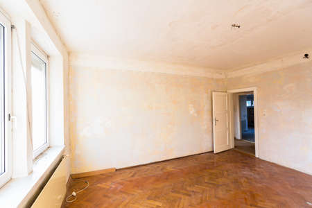 tristesse: old apartment, apartment symbolic photo for resolution, housing and rehabilitation needs
