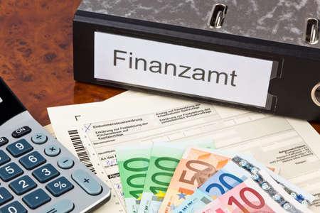 ein Deutsch Steuererklärung für die Einkommensteuer ist erforderlich