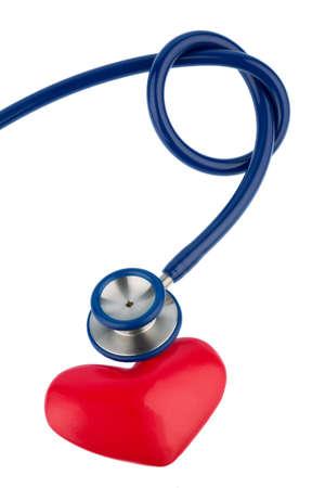 Stethoskop und ein Herz-Symbol Foto für Herz-Kreislauf-und Herzinfarkt-Risiko