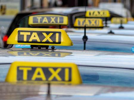 taxi's wachten Stockfoto