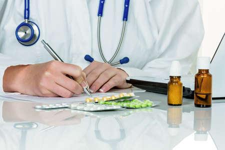 medizin: doctor prescribes a medication  special medicines and tablets are a prescription Stock Photo