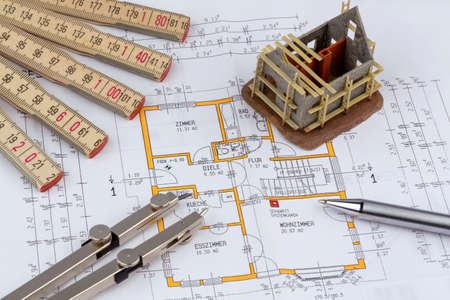 single familiy: proyecto de un arquitecto para la construcci�n de una nueva casa residencial. foto simb�lica de la financiaci�n y la planificaci�n de un nuevo hogar.