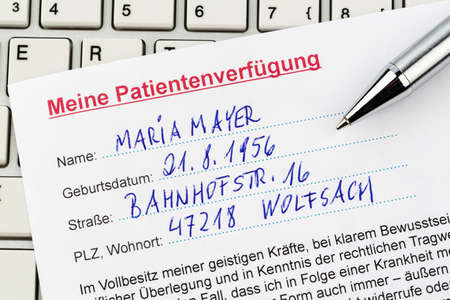 klinik: a living will in german language  instructions for the doctor or hospital in the event of a terminal illness  Stock Photo