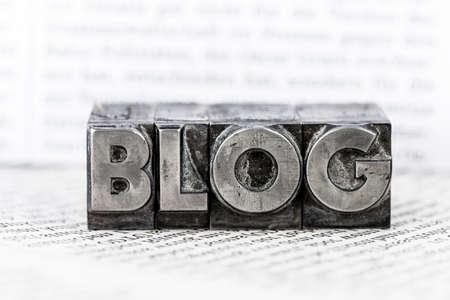 書かれた鉛の文字を単語のブログ。ブログの象徴的な写真