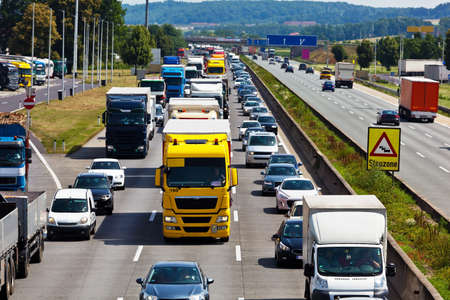 emergency lane: non-functional emergency lane in a traffic jam on a highway Stock Photo