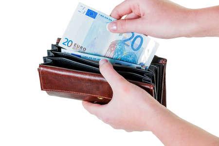 banconote euro: in un portafoglio, ci sono alcune banconote in euro. a corto di denaro da parte del nuovo povertà.