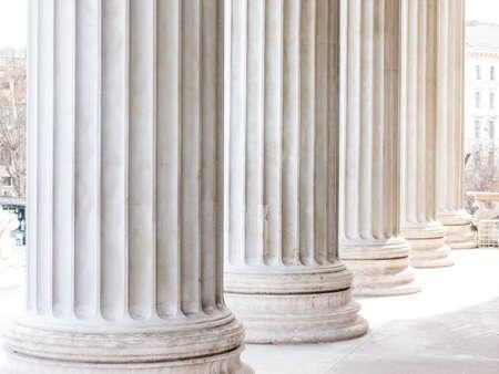 kolommen op het parlement in Wenen, symbool foto voor architectuur, stabiliteit, geschiedenis Stockfoto
