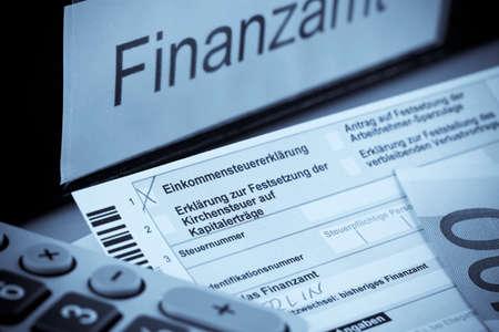 ein Deutsch Steuererklärung für die Einkommensteuer ist erforderlich. Lizenzfreie Bilder