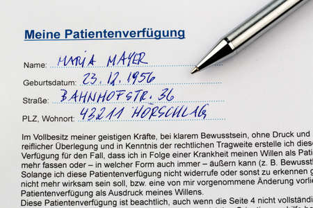 pracitioner: a living will in german language. instructions for the doctor or hospital in the event of a terminal illness. Stock Photo