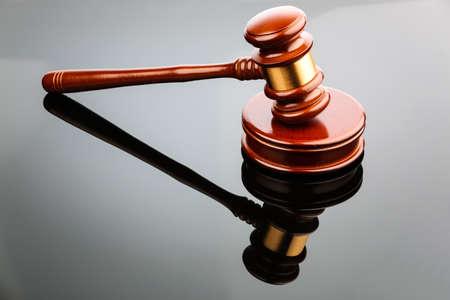 richerhammer of veiling hamer, symbool foto voor gezag en besluitvorming