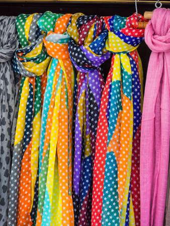 sciarpe: selezione di sciarpe, icona della foto per la moda femminile, la selezione, la vendita