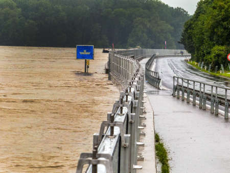 flood 2013. mauthausen, austria. mobile flood protection dam. photo