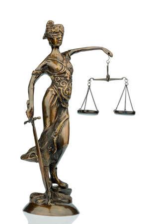 derecho romano: escultura de justitia, foto símbolo de la equidad y la justicia