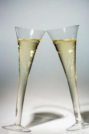 champagne o spumante in un bicchiere di champagne. icona della foto per celebrazioni, nuovo anno e buon umore