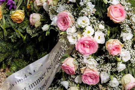 Welker tumba de la joyería, la muerte, el recuerdo, el luto y la transitoriedad Foto de archivo - 36743275