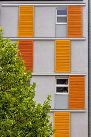 modern flatgebouw, symbool van de huisvesting, vastgoed en leasing Stockfoto