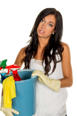 putz: a young woman is annoyed that she has to make the house cleaning.