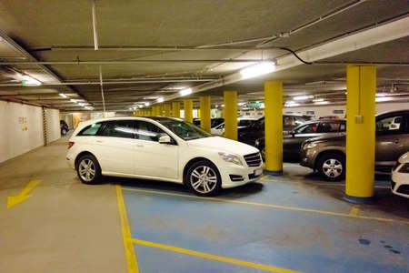 level: in a park a car was bad and traffic disabling parked.