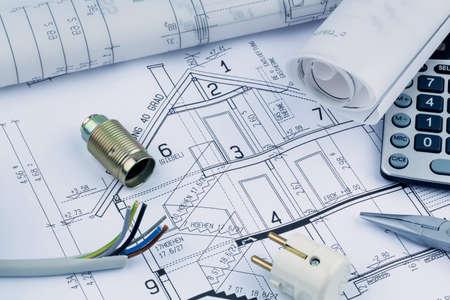 single familiy: arquitectos anteproyecto para la construcci�n de una nueva casa. foto simb�lica para la financiaci�n y la planificaci�n de un nuevo hogar.