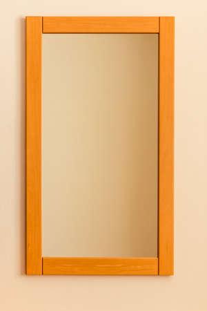 rectangulo: espejo del dormitorio, que simboliza la copia espacio, la identidad, el orden, la simplicidad Foto de archivo