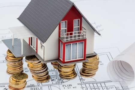 single familiy: casa residencial en modelo, symbolfoto para construcci�n de vivienda, financiaci�n, construcci�n de la sociedad Foto de archivo