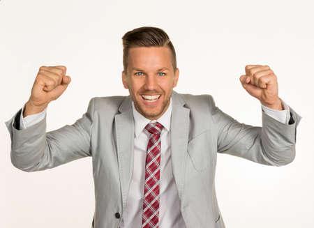 jovenes emprendedores: joven, hombre de negocios dinámico. exitosos empresarios jóvenes