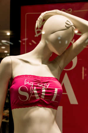 retail business: sale in a fashion retail business