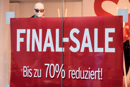 better price: final sale in a commercial transaction Stock Photo