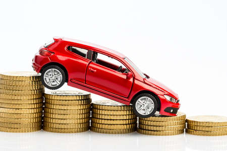 lull: declining profits in the car trade and automakers.