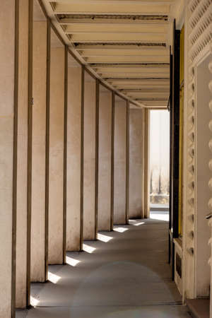 portico: light and shadow in a portico, icon