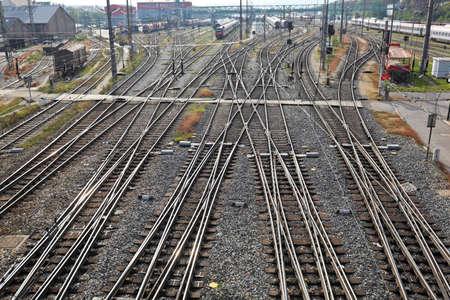 ferrocarril: vías del ferrocarril con los interruptores