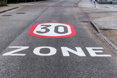 tempo 30 zone in the city