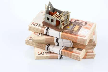 shell on euro bills