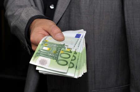 geld: Hand Geld Euroscheine