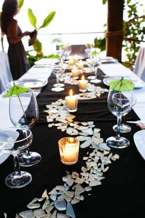 녹색 테이블 설정 스톡 콘텐츠
