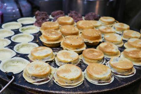 Taiwanese cuisine -Wheel pie(wheel cake)