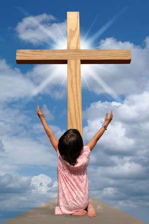 alabando a dios: Chica al pie de la cruz