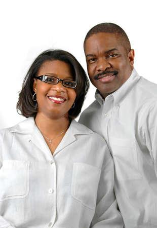 Feliz pareja juntos durante un fondo blanco.  Foto de archivo - 897719