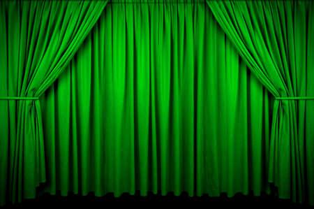 Grote groene gordijn met spot licht en loste op in het donker. Stockfoto - 2654830