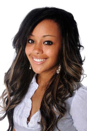Ritratto di donna bella giovane africano americana sorridente Archivio Fotografico - 7804016