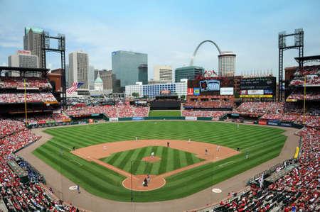 ST LOUIS - 23 mai : Stade Busch maison de la Saint Louis Cardinals et le site de la Game de Star tous 2009, au cours du match contre les Royals de Kansas City à Saint-Louis, MO le 23 mai 2009 Banque d'images - 7863726