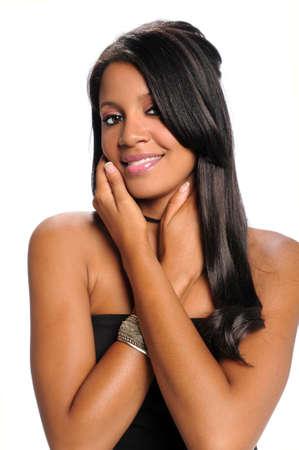 mannequin africain: Portrait de jeune femme afro-am�ricaine mains sur le visage