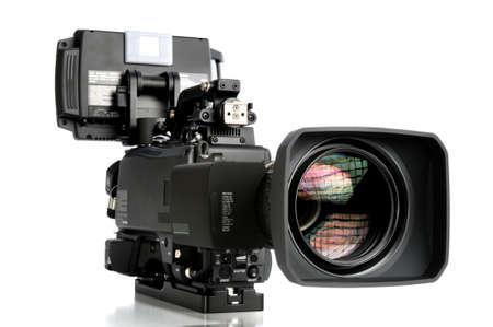 Cámara de vídeo de alta definición aislado sobre fondo blanco